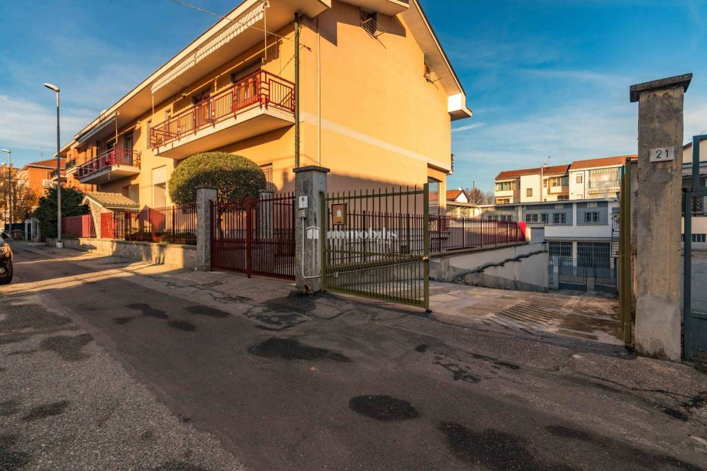 Magazzino in vendita a Collegno, 9999 locali, prezzo € 205.000 | CambioCasa.it