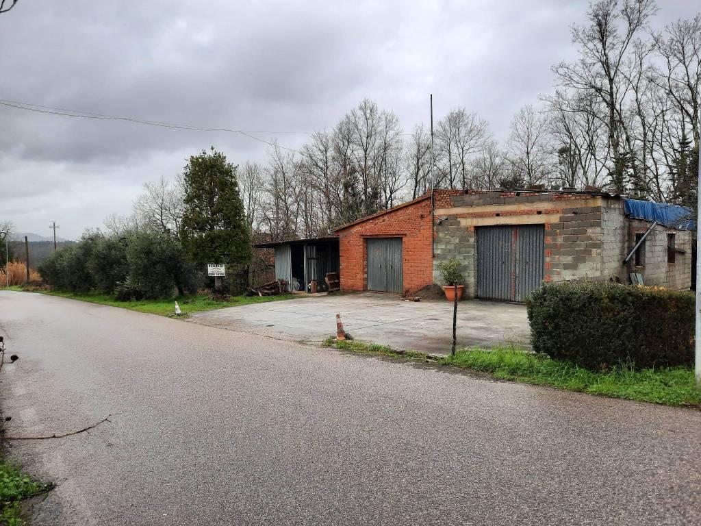 Terreno residenziale in Vendita a Santa Maria A Monte Centro: 1500 mq
