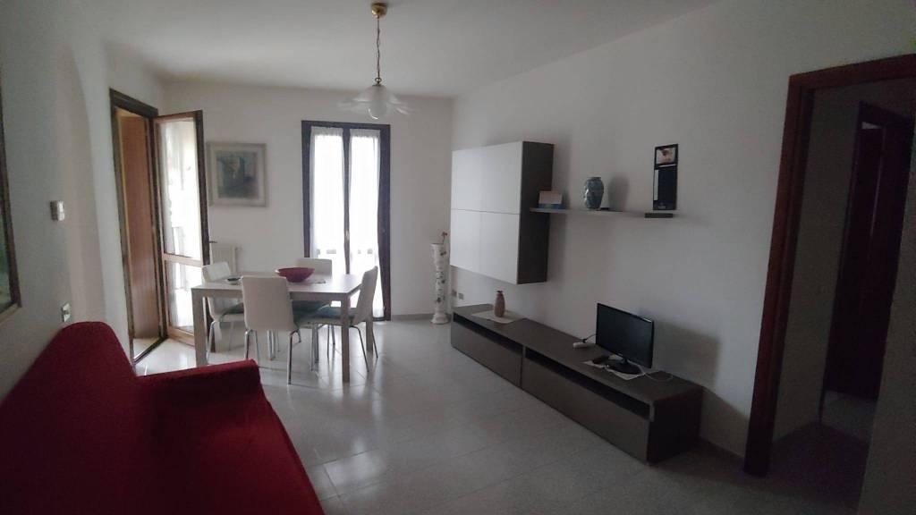 Appartamento in Vendita a Gossolengo Centro: 2 locali, 65 mq