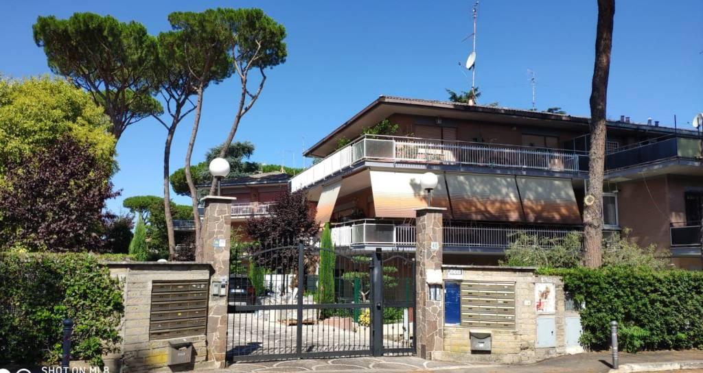 Attico / Mansarda in vendita a Roma, 4 locali, zona Finocchio, Torre Gaia, Tor Vergata, Borghesiana, prezzo € 489.000 | PortaleAgenzieImmobiliari.it