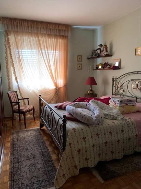 Appartamento in vendita a Vinovo, 7 locali, prezzo € 320.000 | CambioCasa.it