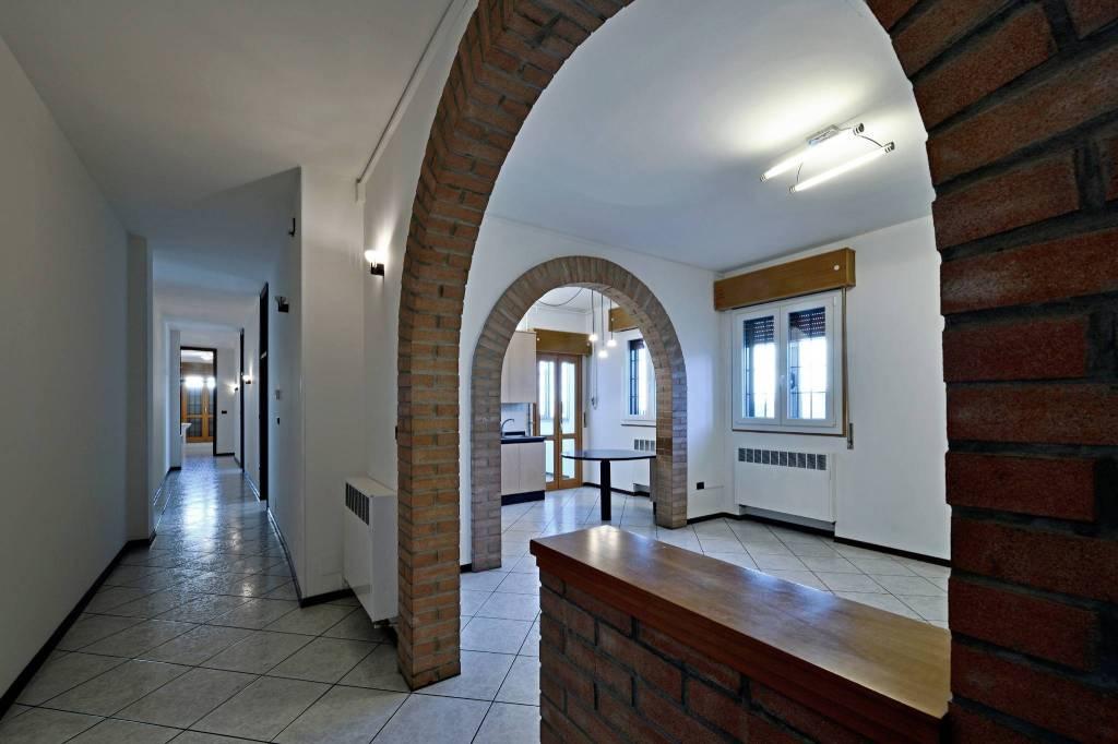Appartamento in affitto a Zola Predosa, 5 locali, prezzo € 1.200 | CambioCasa.it