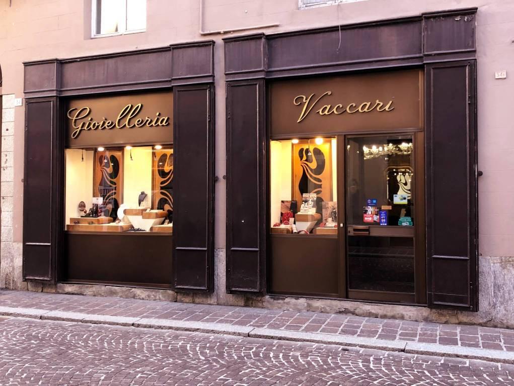 Attività / Licenza in vendita a Pavia, 1 locali, Trattative riservate | CambioCasa.it