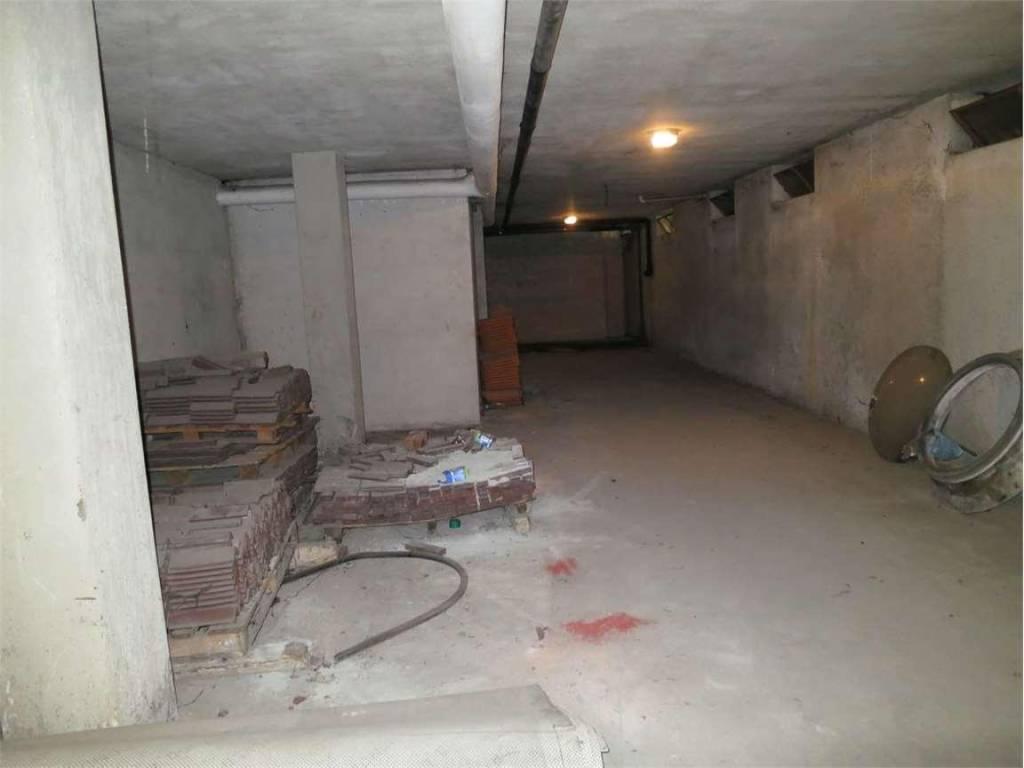 Magazzino in vendita a Villa d'Almè, 9999 locali, prezzo € 85.000 | PortaleAgenzieImmobiliari.it