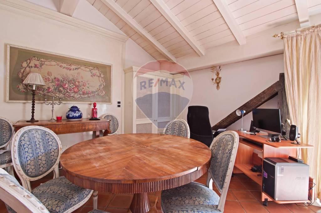 Appartamento in Vendita a Bologna Centro: 5 locali, 144 mq