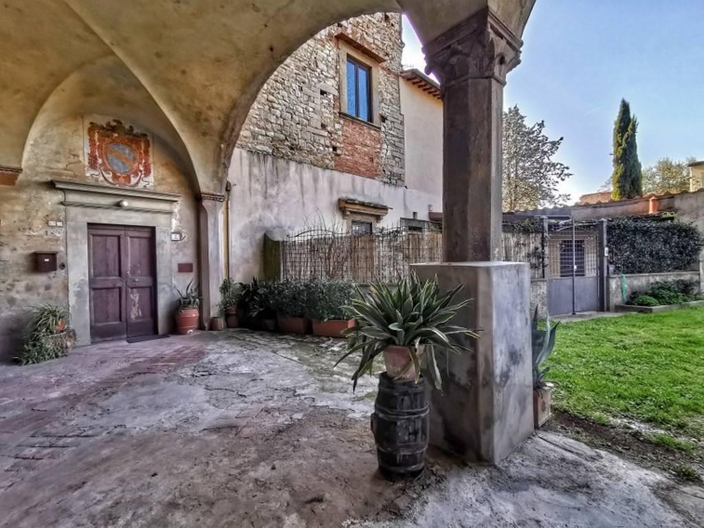 Appartamento in vendita a Calenzano, 5 locali, prezzo € 340.000 | PortaleAgenzieImmobiliari.it
