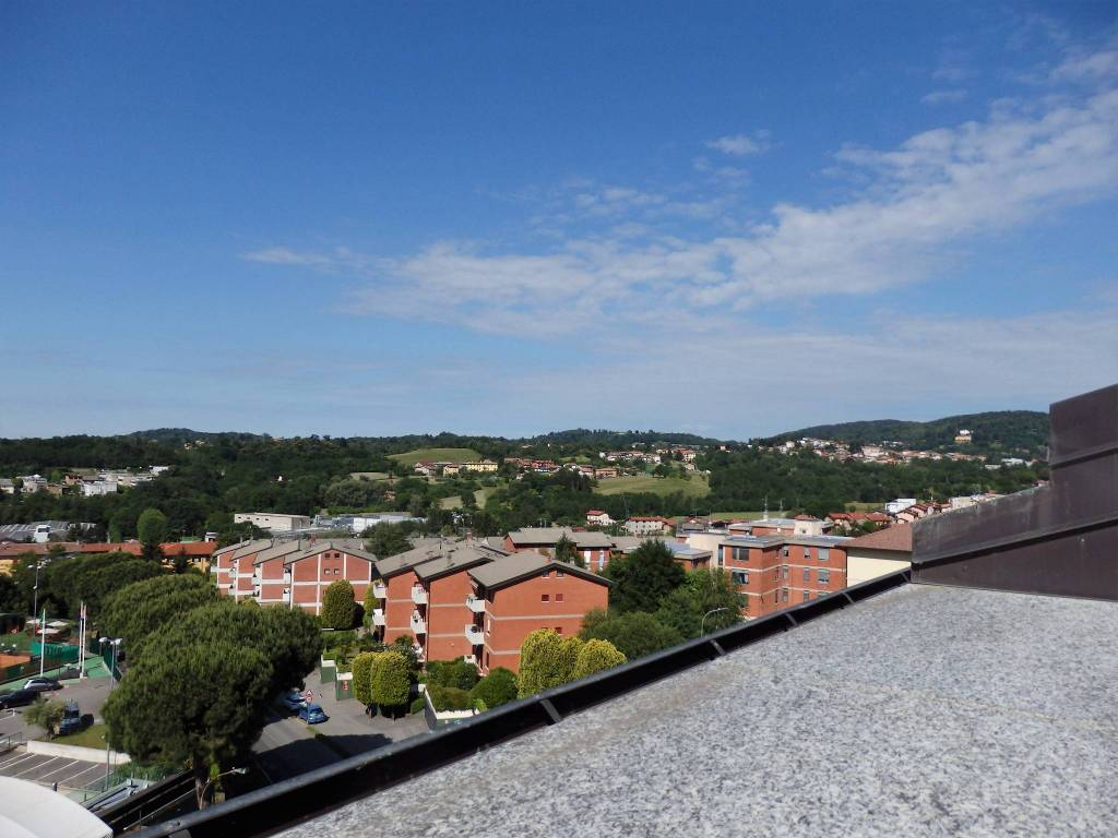 Attico / Mansarda in vendita a San Fermo della Battaglia, 3 locali, prezzo € 255.000 | PortaleAgenzieImmobiliari.it