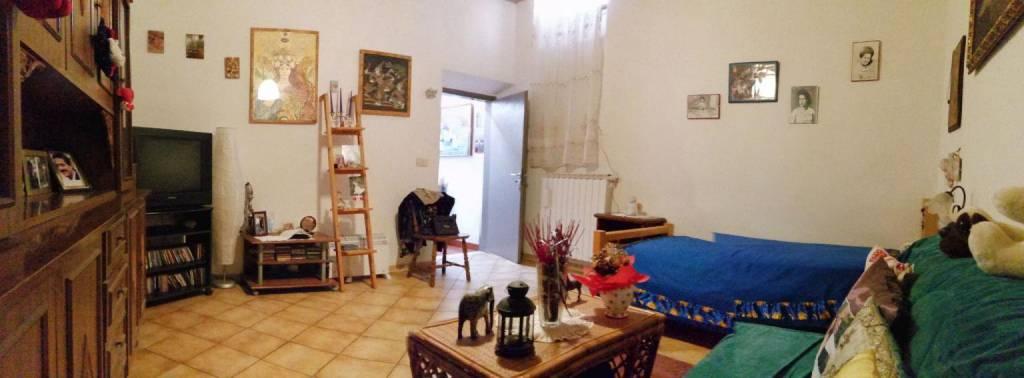 Appartamento in vendita a Barberino di Mugello, 4 locali, prezzo € 110.000 | CambioCasa.it