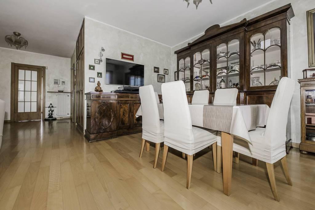 Attico / Mansarda in vendita a Rivoli, 5 locali, prezzo € 490.000 | PortaleAgenzieImmobiliari.it