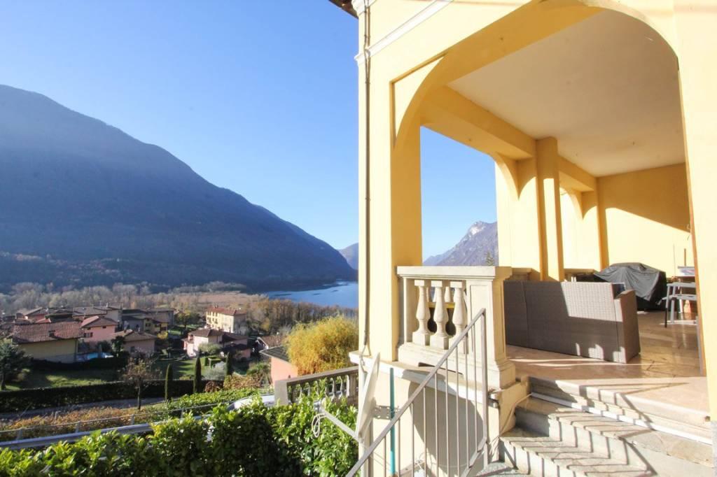 Appartamento in vendita a Carlazzo, 4 locali, prezzo € 300.000 | PortaleAgenzieImmobiliari.it