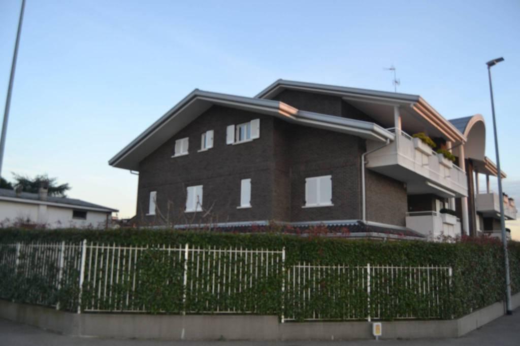 Attico / Mansarda in vendita a Cesano Maderno, 2 locali, prezzo € 160.000 | PortaleAgenzieImmobiliari.it