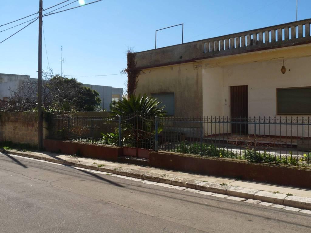 Villa in vendita a Alessano, 5 locali, prezzo € 160.000 | CambioCasa.it