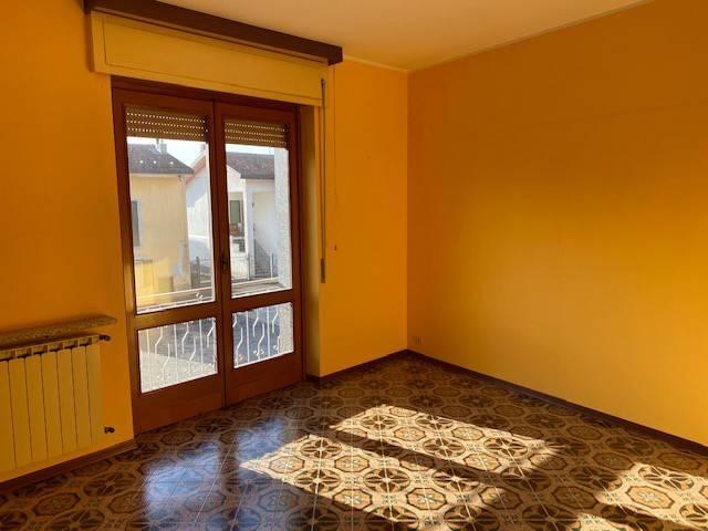 Soluzione Indipendente in affitto a Fontaneto d'Agogna, 3 locali, prezzo € 400   CambioCasa.it