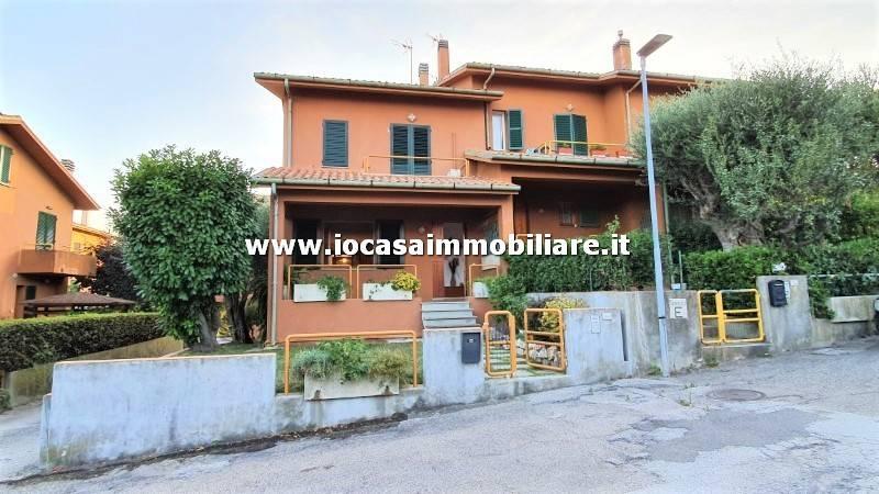 Villa in vendita a Mondolfo, 4 locali, prezzo € 220.000 | CambioCasa.it