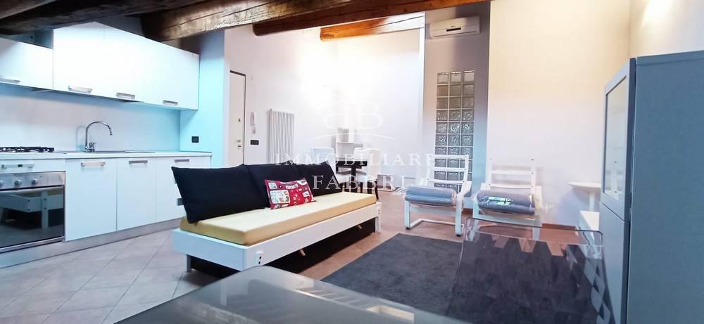 Appartamento in Affitto a Ferrara Centro: 3 locali, 85 mq