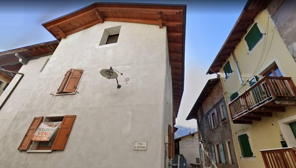 Casa Indipendente in buone condizioni in vendita Rif. 4879440