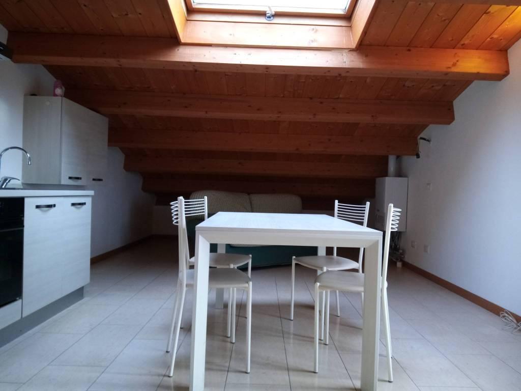 Attico / Mansarda in affitto a San Pietro in Cariano, 3 locali, prezzo € 500 | CambioCasa.it