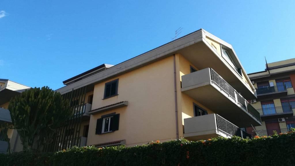 Appartamento in Affitto a San Gregorio Di Catania Centro: 2 locali, 60 mq
