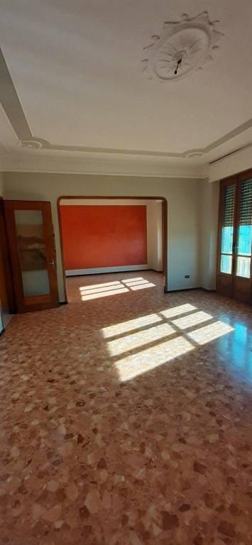 Appartamento in affitto a Vercelli, 5 locali, prezzo € 480 | CambioCasa.it