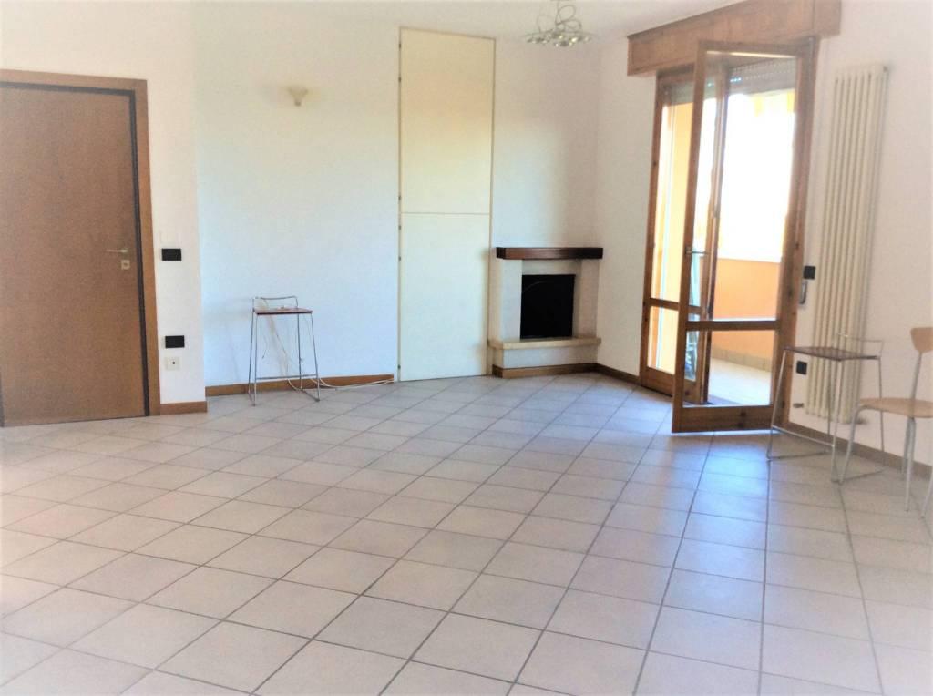 Appartamento in Vendita a Rimini Semicentro: 5 locali, 111 mq