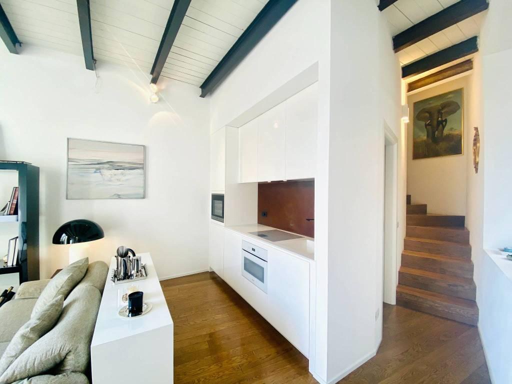 Loft / Openspace in affitto a Casciago, 2 locali, prezzo € 1.300 | CambioCasa.it