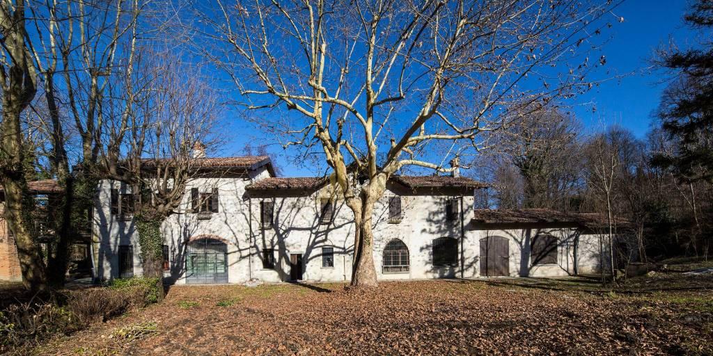 Rustico / Casale in vendita a Anzano del Parco, 10 locali, prezzo € 1.200.000 | CambioCasa.it