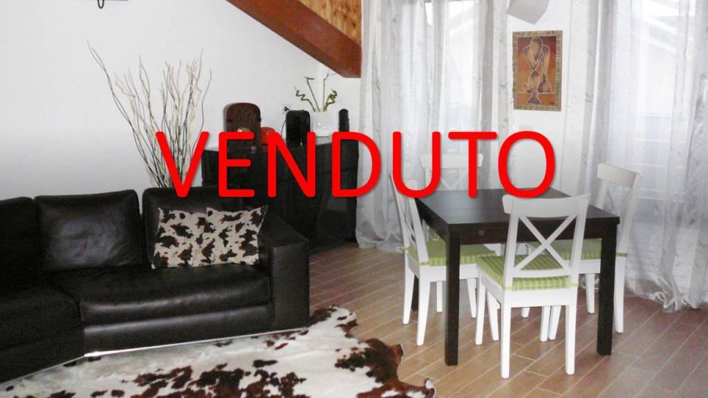 Attico / Mansarda in vendita a Lesmo, 2 locali, prezzo € 109.000 | PortaleAgenzieImmobiliari.it