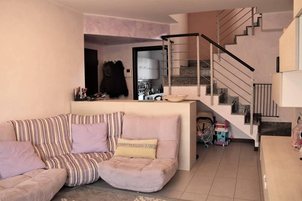 Appartamento in vendita a Desio, 4 locali, prezzo € 293.000 | CambioCasa.it