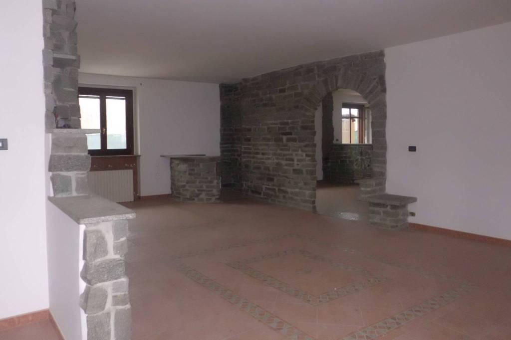 Appartamento in vendita a Cherasco, 6 locali, prezzo € 245.000 | PortaleAgenzieImmobiliari.it