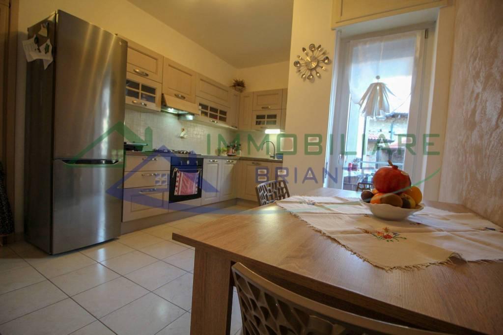 Appartamento in vendita a Somma Lombardo, 3 locali, prezzo € 105.000   CambioCasa.it
