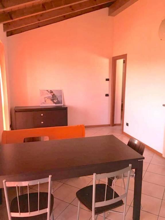 Appartamento in affitto a Bogogno, 2 locali, prezzo € 400 | CambioCasa.it