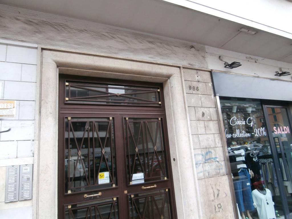 Appartamento in vendita a Roma, 2 locali, zona Zona: 16 . Appia nuova - Alberone - Colli Albani, prezzo € 215.000 | CambioCasa.it