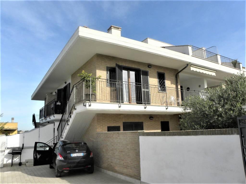 Appartamento in vendita a Marino, 4 locali, prezzo € 249.000 | PortaleAgenzieImmobiliari.it