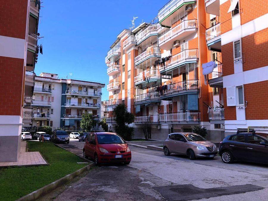 Appartamento in affitto a Portici, 4 locali, prezzo € 950 | CambioCasa.it
