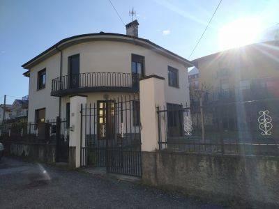 Appartamento in affitto a Colico, 3 locali, Trattative riservate | CambioCasa.it