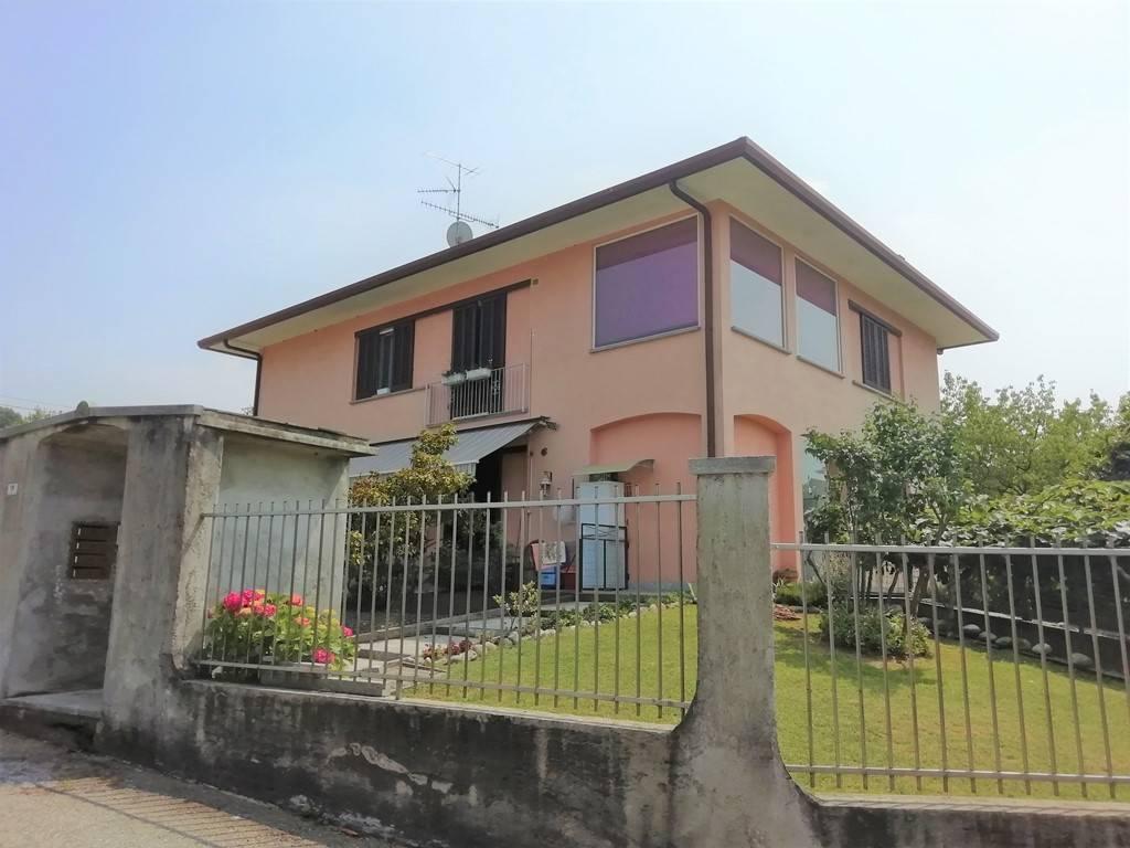 Appartamento in vendita a Vergiate, 3 locali, prezzo € 169.000 | PortaleAgenzieImmobiliari.it