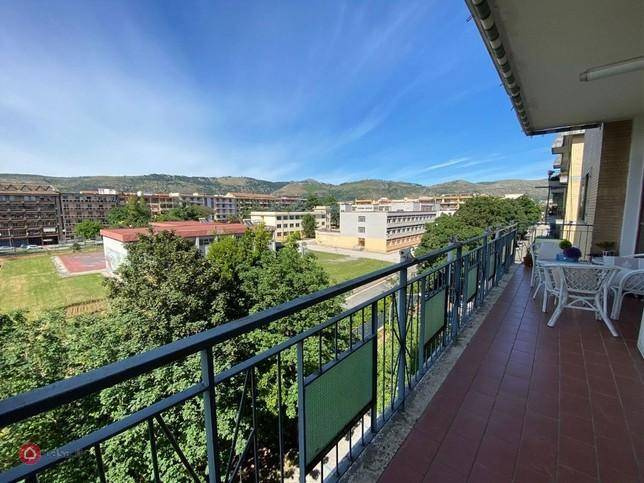 Appartamento in vendita a Caserta, 4 locali, prezzo € 330.000   CambioCasa.it