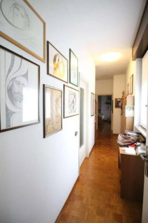 Negozio / Locale in vendita a Casatenovo, 6 locali, prezzo € 1.280.000   CambioCasa.it