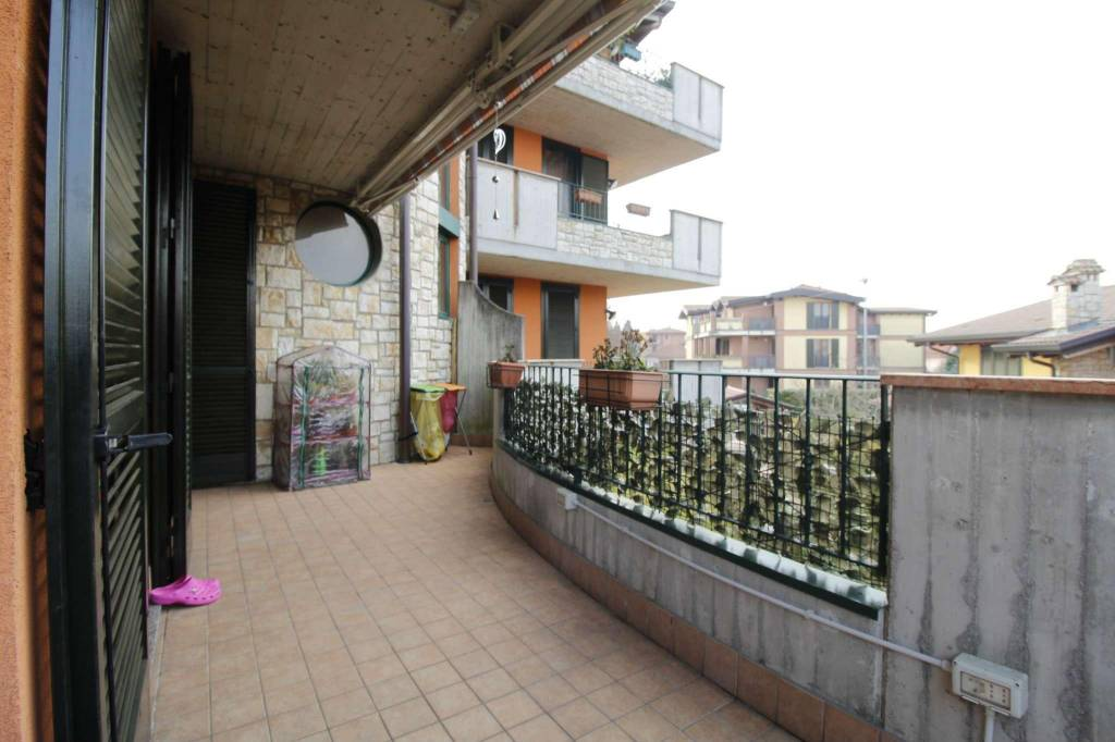 Appartamento in vendita a Busnago, 3 locali, prezzo € 155.000   CambioCasa.it