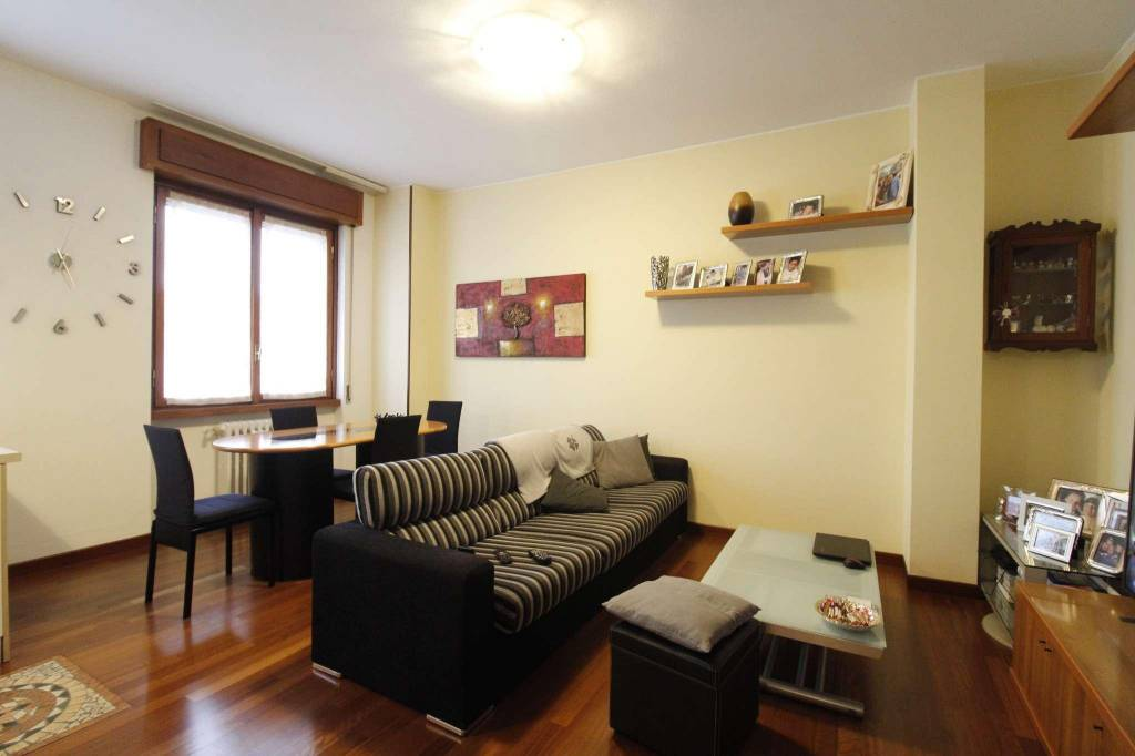 Appartamento in vendita a Monza, 3 locali, zona Zona: 3 . Via Libertà, Cederna, San Albino, prezzo € 158.000 | CambioCasa.it