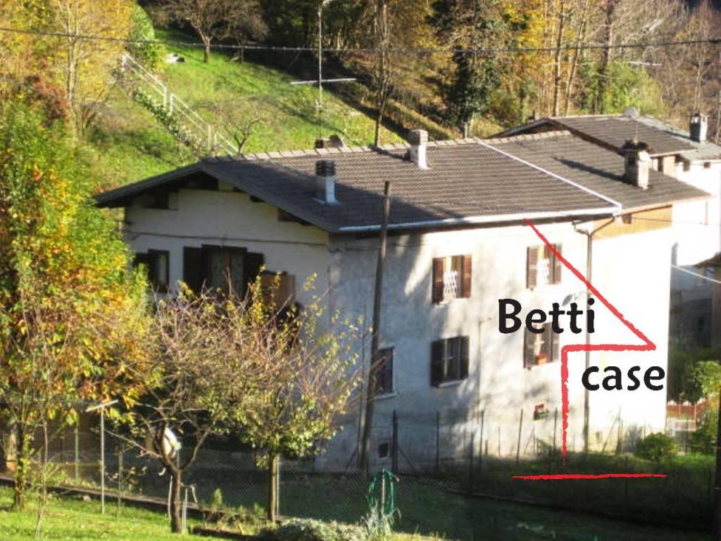 Appartamento quadrilocale in vendita a Moio de' Calvi (BG)