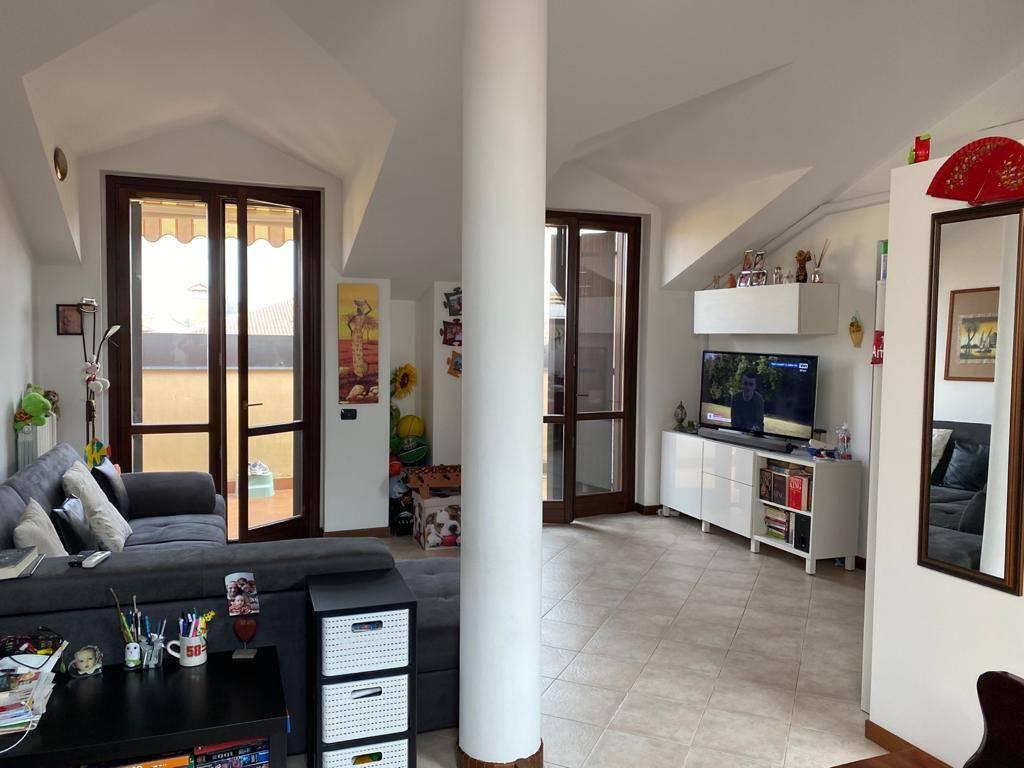 Appartamento in vendita a Dresano, 3 locali, prezzo € 155.000 | CambioCasa.it