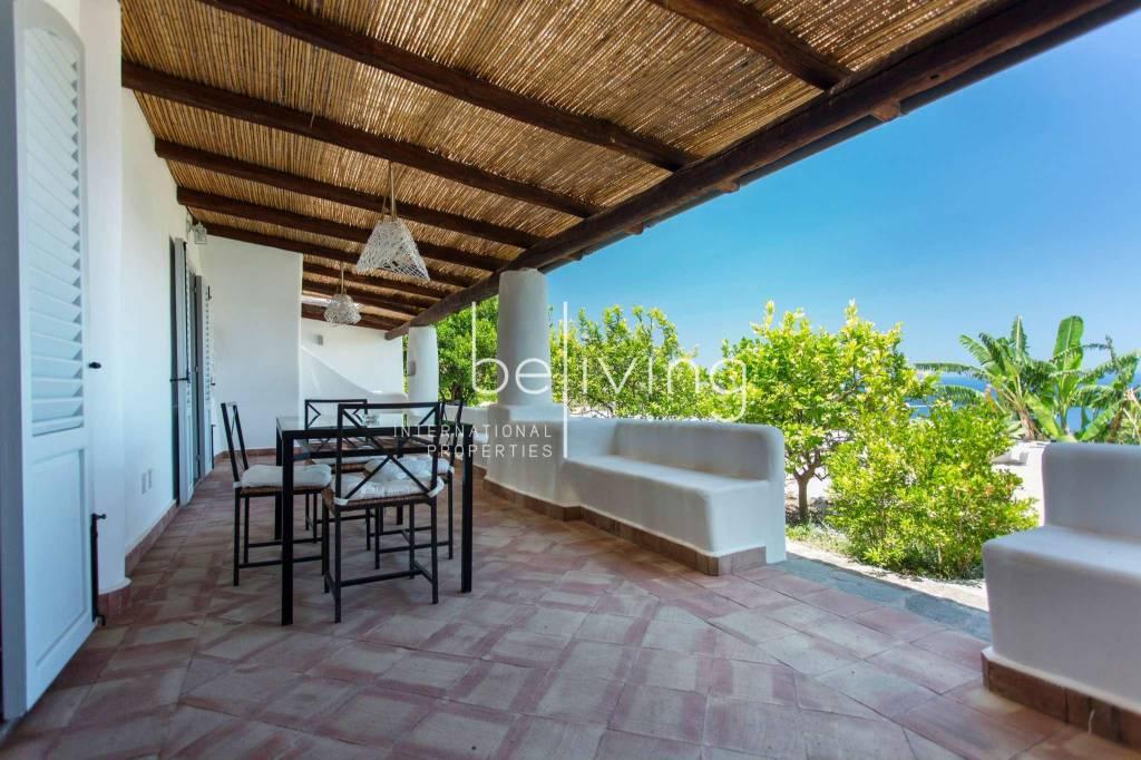 Appartamento in vendita a Malfa, 2 locali, prezzo € 240.000 | CambioCasa.it