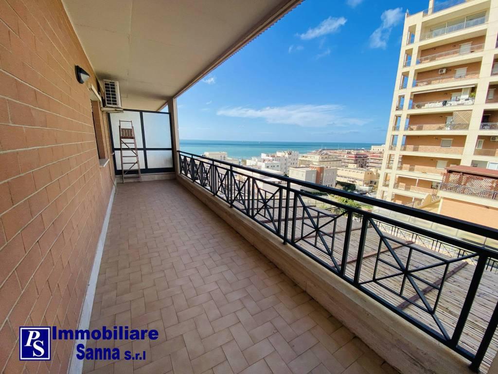 Appartamento in ottime condizioni arredato in affitto Rif. 9135852
