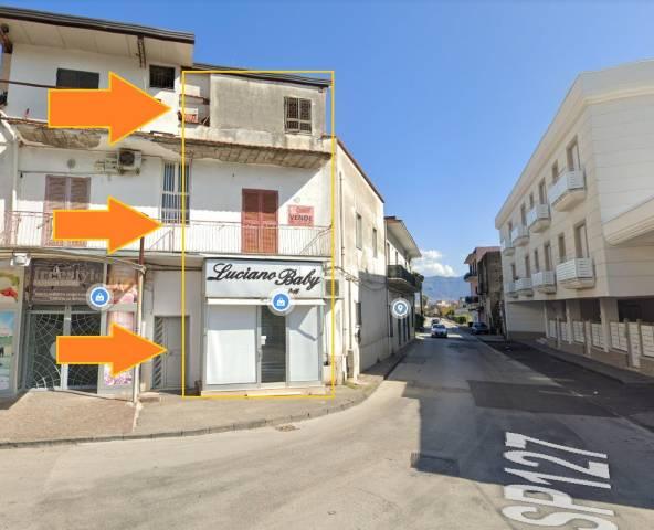 Appartamento in buone condizioni in vendita Rif. 6489470