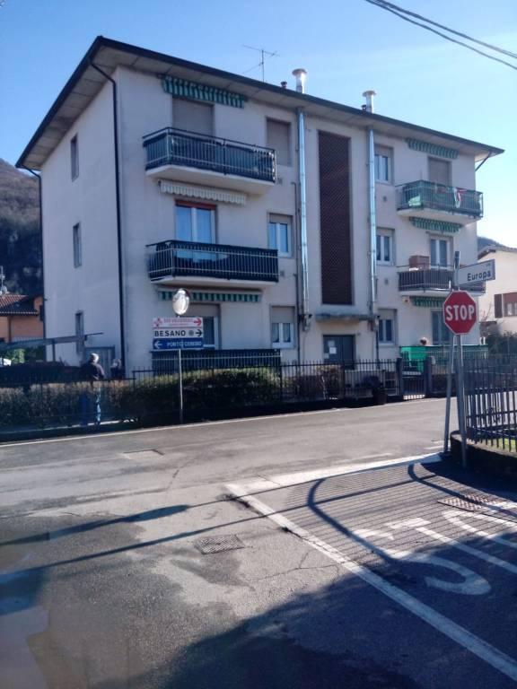 Appartamento in affitto a Besano, 3 locali, prezzo € 580   CambioCasa.it
