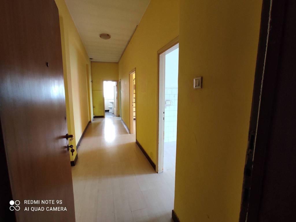 Appartamento in vendita a Azzano San Paolo, 3 locali, prezzo € 65.000   CambioCasa.it