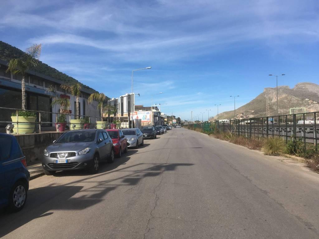 Magazzino in Affitto a Palermo Periferia Ovest: 59 mq