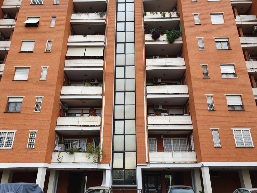 Appartamento in vendita a Roma, 3 locali, zona Zona: 8 . Tiburtina, Colli Aniene, Pietrasanta, San Basilio, prezzo € 268.000 | CambioCasa.it