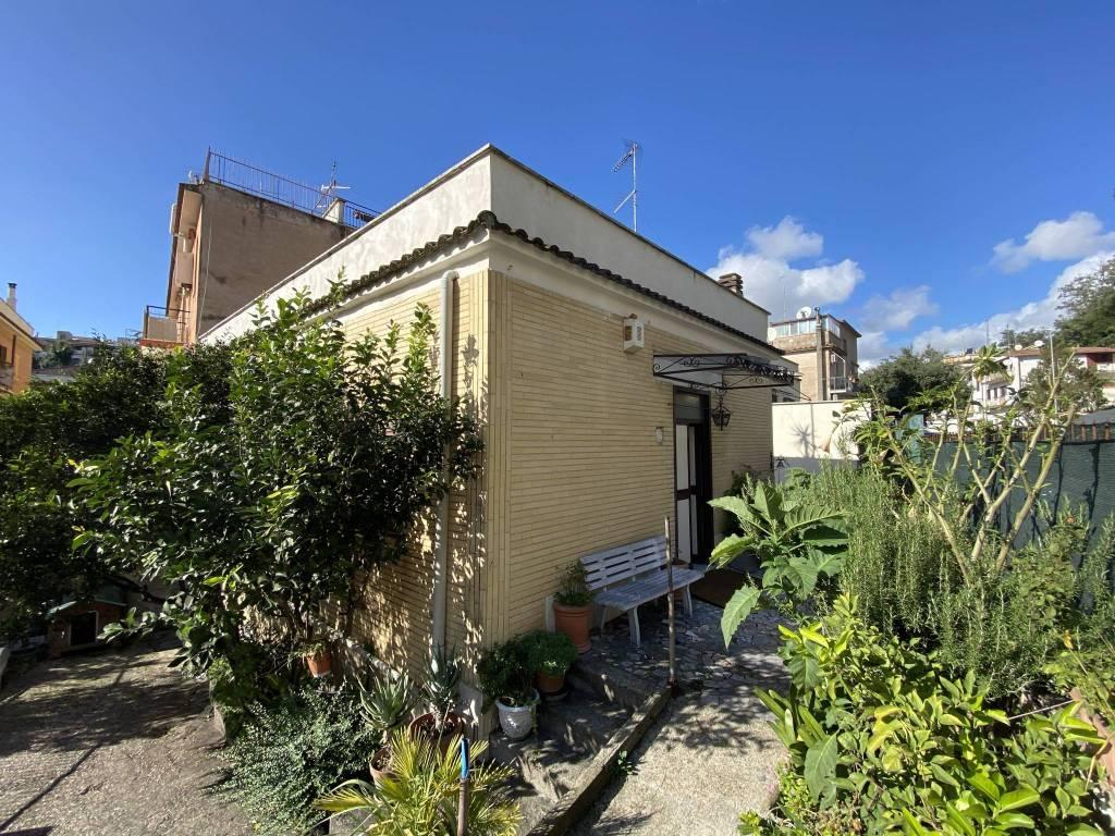 Soluzione Indipendente in vendita a Roma, 3 locali, zona Zona: 27 . Aurelio - Boccea, prezzo € 250.000 | CambioCasa.it